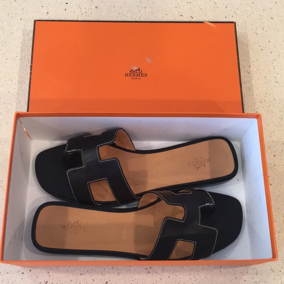 Herms Size 4 Black Leather Sandals